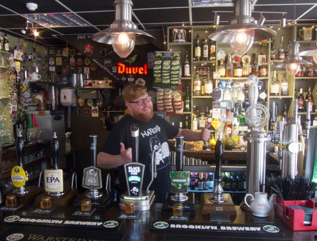 otley-tap-bar-man